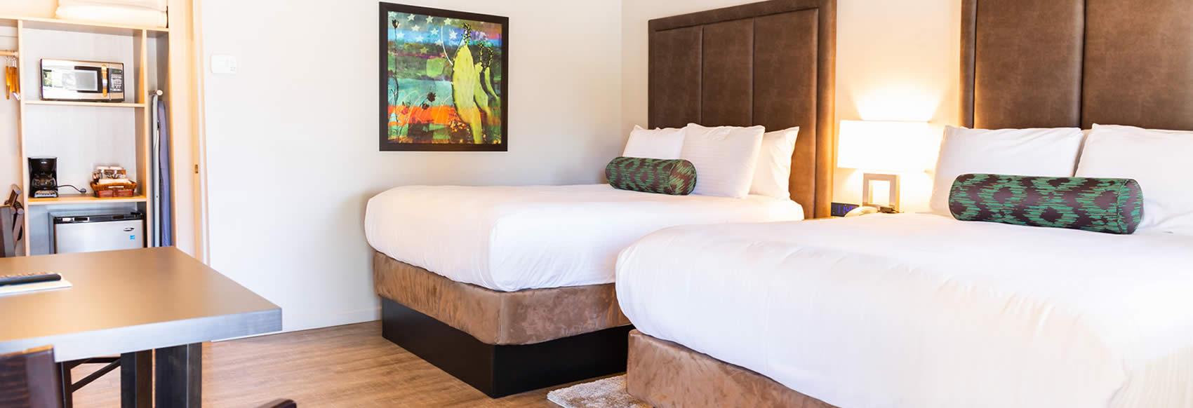 Rooms: Deluxe Two Queen Santa Cruz Hotel Room